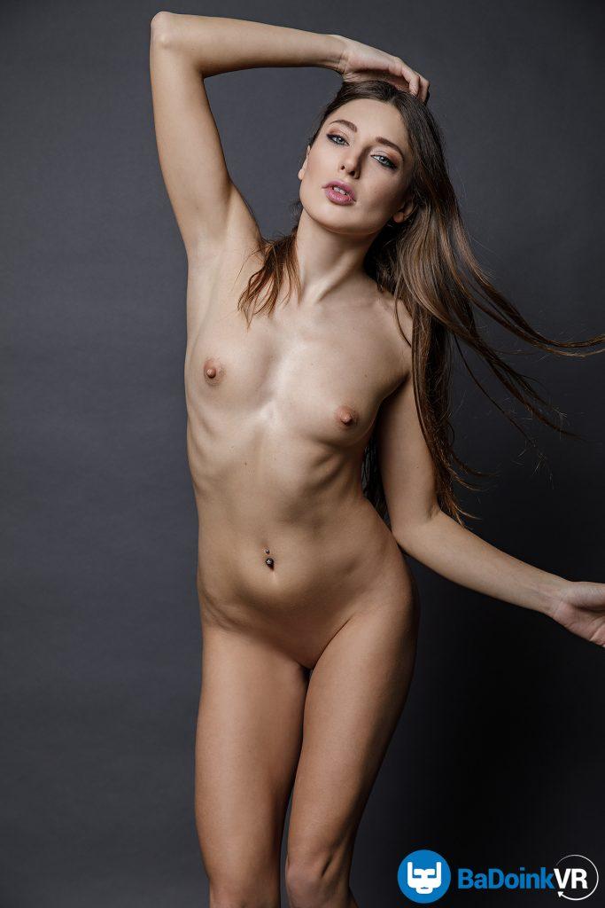 Ukrainian girl nubile nude vr photo