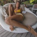 pert breasted bikini babe virtual reality xxx